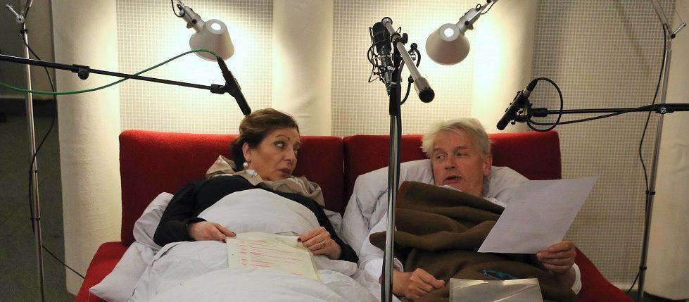 Manon Straché als Sabine und Horst Kotterba als Andreas im ehelichen Zwiegespräch (Foto: MDR/Thekla Harre)
